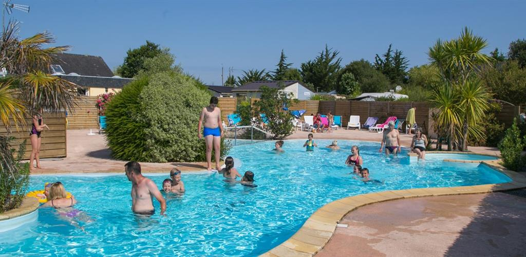camping avec piscine les enfants adorent les parents aussi